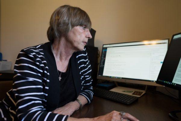 Sylvia MacEachern runs her website from her home in Fitzroy Harbour, Ont.